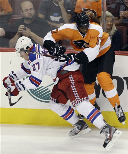 Ryan McDonagh, Wayne Simmonds
