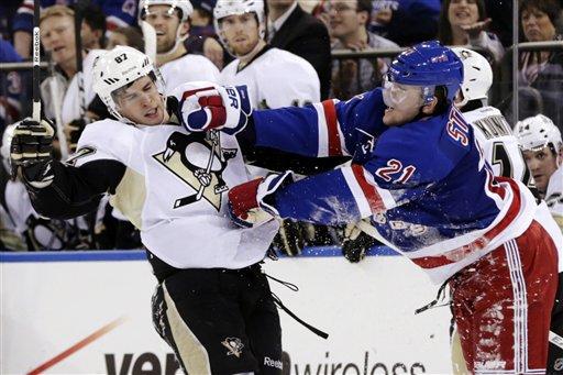 Derek Stepan, Sidney Crosby